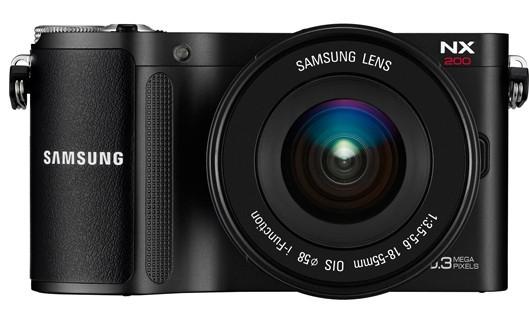 Цифровая фотокамера Samsung NX200 - дорогая и продвинутая