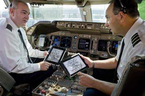 iPad заменит многотомные руководства полетами на американских авиалиниях