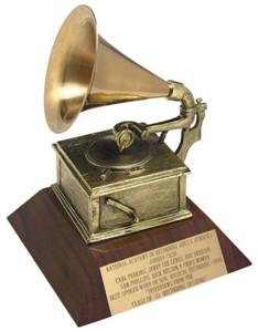 Стив Джобс посмертно удостоен премии «Грэмми»