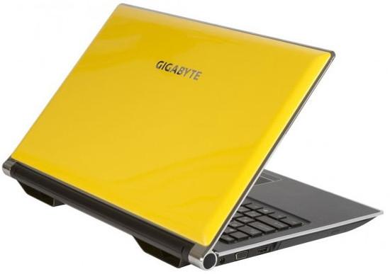 Gigabyte показала на выставке CeBit ультрабук U2442 и игровой ноутбук P2542G