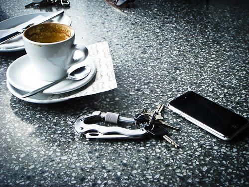 Чаще всего люди забывают телефоны в кафе