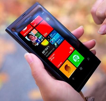 Очередной впдейт Nokia Lumia 800 опять увеличит «время жизни» батареи