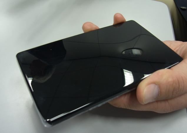 Toray предлагает самовосстанавливающуюся защиту для экранов мобильных устройств