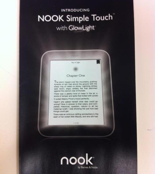 Новый ридер Barnes & Noble позволит читать в темноте на E-Ink экране
