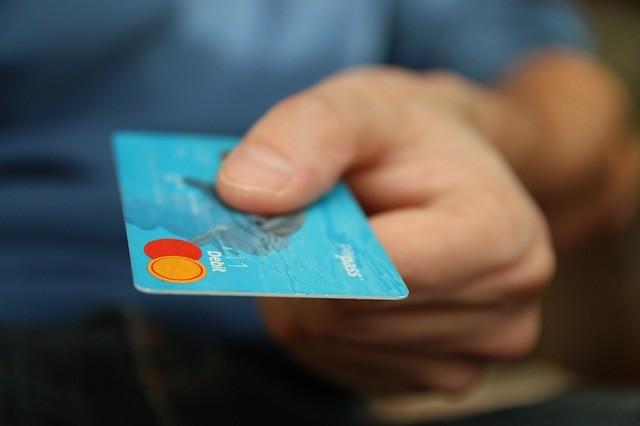 Сумма платежей свиртуальных банковских карт в Российской Федерации увеличилась в4 раза