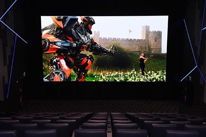 Самсунг презентовал 1-ый вмире инновационный дисплей Cinema LED