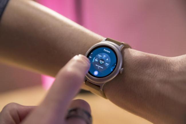 Лучшие умные часы Android Wear 2017 года  3f2b20c8e0c3e