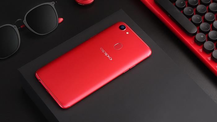 Названы русские цены безрамочных телефонов Oppo F5 Youth иF5 6 Gb
