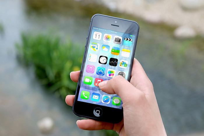 Первые иски озамедлении работы iPhone жители России подадут на текущей неделе