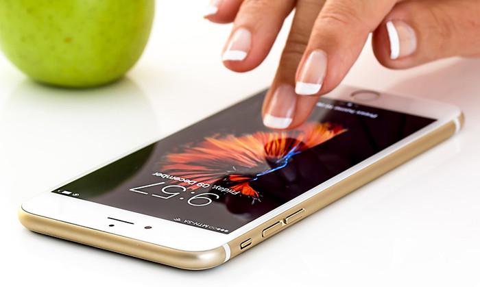 Apple создает уникальные MicroLED-экраны для Apple Watch и iPhone. Цель проекта – оставить без работы компанию Samsung