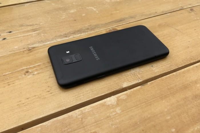 Samsung Galaxy A6 обзор