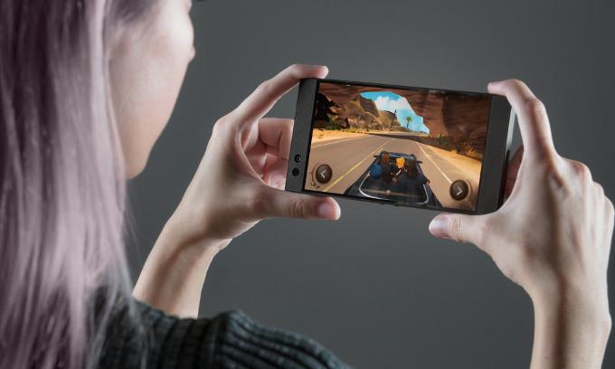 Консоль в кармане: 4 самых-самых серьезных игровых смартфона