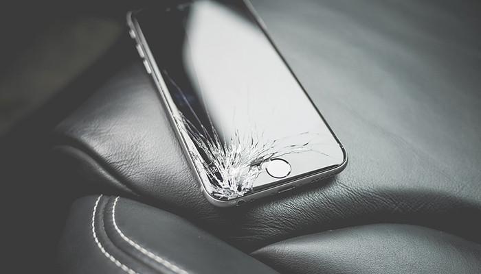 Мобильные телефоны споврежденным дисплеем начнет принимать «МегаФон»