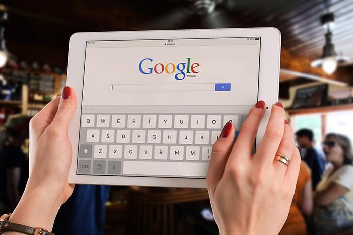 Роскомнадзор возбудил дело против Google из-за нежелания поисковика удалять ссылки с противоправной информацией