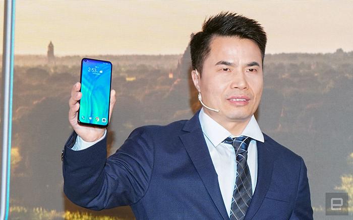 Представлен Honor View 20 – первый в мире смартфон с «дырявым» экраном