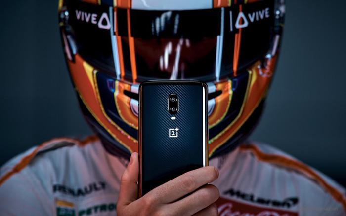Смартфон OnePlus 6T McLaren Edition получил 10 Гбайт оперативки и супербыструю зарядку