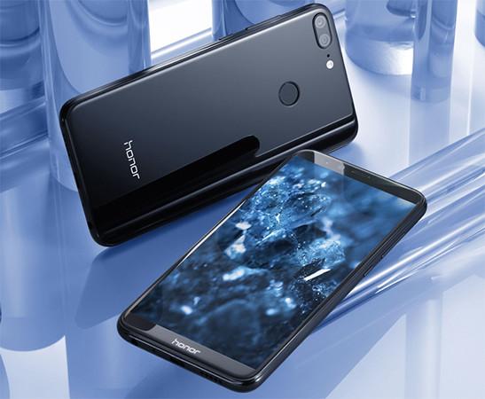 «Связной» назвал самые популярные смартфоны-фаблеты в России