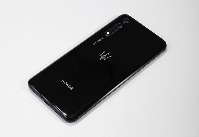 Honor выпустит смартфон вместе с Maserati – производителем элитных спорткаров