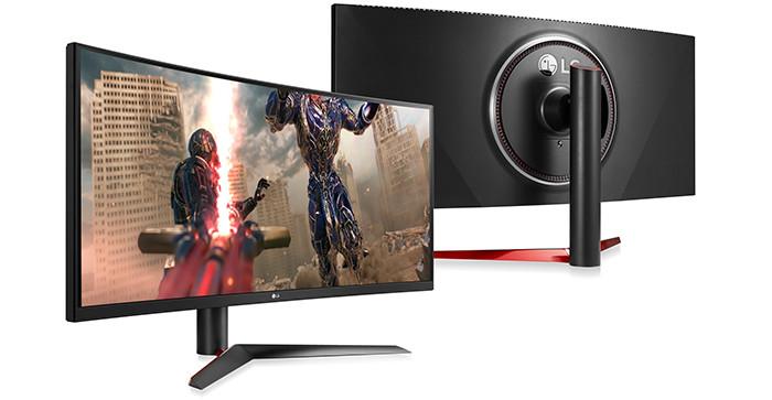 Сверхширокий монитор LG может заменить сразу два стоящих рядом 27-дюймовых QHD-монитора
