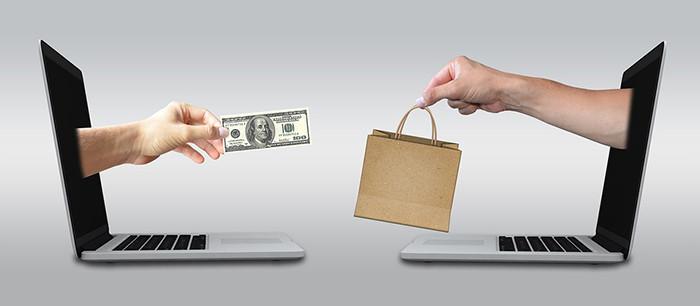 Россияне напокупали товаров в соцсетях и мессенджерах на 600 млрд рублей