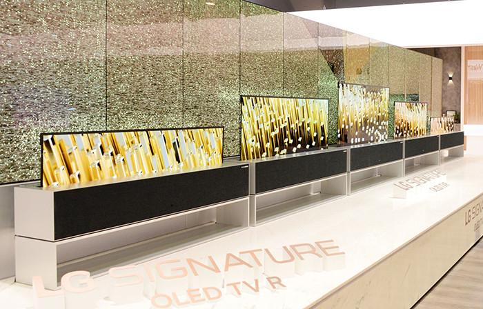 CES 2019. LG показала серийный гибкий OLED-телевизор, способный сворачиваться в рулон