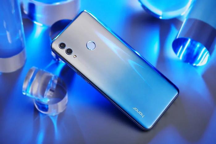 В России представили Honor 10 Lite – наследника самого популярного смартфона 2018 года