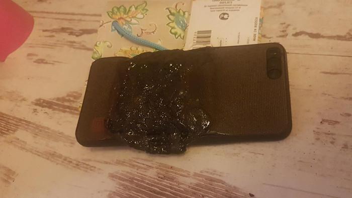 В кармане у россиянина загорелся смартфон Xiaomi. Дело закончилось серьезным ожогом