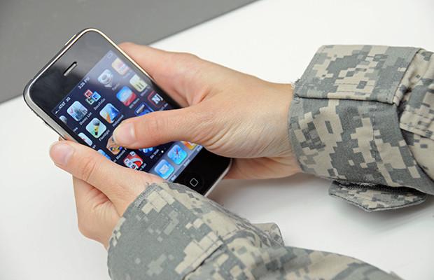 Миллиону россиян запретили пользоваться смартфонами