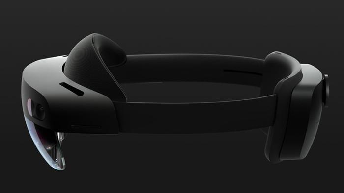 MWC 2019. Шлем Microsoft HoloLens 2 позволяет перемещать виртуальные объекты как реальные