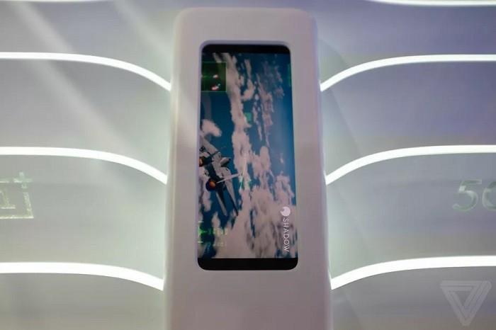 MWC 2019. Sony и OnePlus показали смартфоны с поддержкой 5G. Они выглядят довольно странно