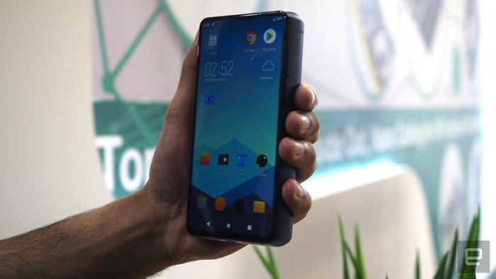 MWC 2019. Energizer показала смартфон-кирпич с супермощным аккумулятором на 18000 мАч