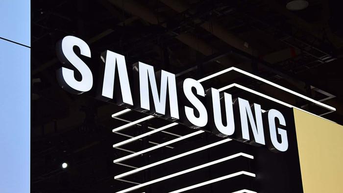 Samsung выпустит еще один флагманский смартфон на Snapdragon 855. Он будет дешевле, чем Galaxy S10e