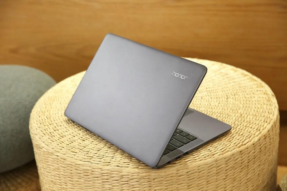 В России впервые представили ноутбук Honor. Он доступен с процессорами Intel и AMD
