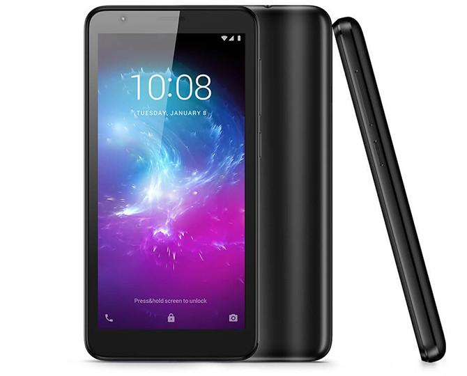 ZTE представила в России дешевые смартфоны Blade A3 и L8 ценой до 4500 рублей