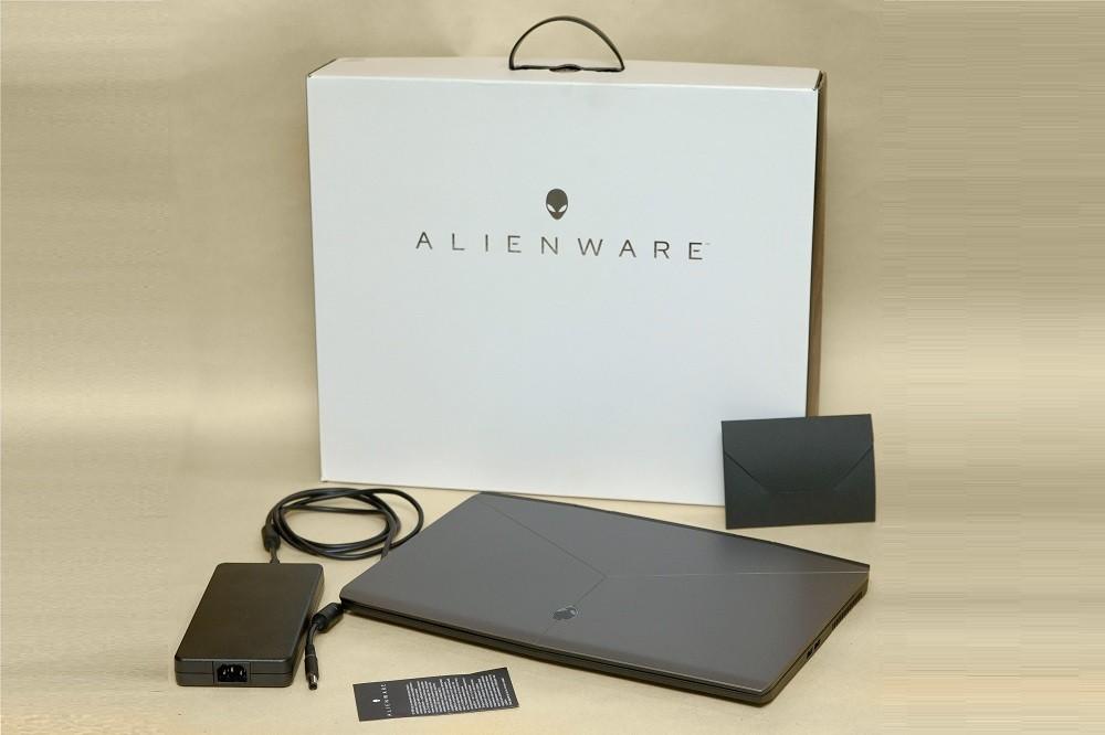 Обзор нового Alienware M17: инопланетянин, маскирующийся под игровой ноутбук