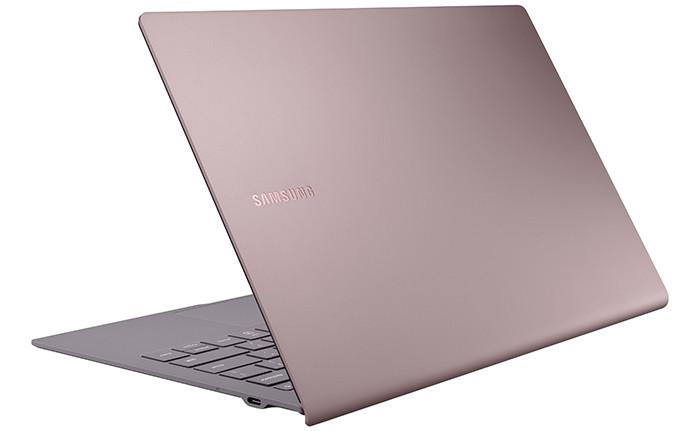Премьера: Samsung представила ультратонкий металлический ноутбук с Windows 10 и чипом Snapdragon