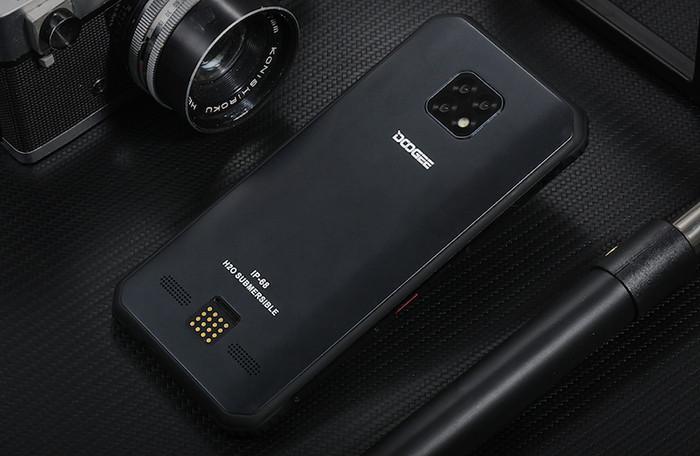 Премьера: Китайский смартфон получил защиту от ударов, корпус из титана и аккумулятор на 5000 мАч