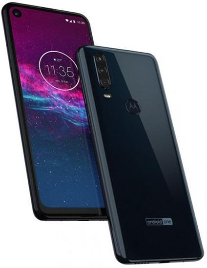Акция: Motorola рассказала, как сэкономить при покупке одного из самых необычных смартфонов 2019 года