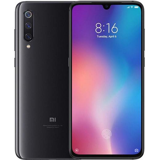 Распродажа: В России резко подешевел смартфон Xiaomi Mi 9 с беспроводной зарядкой и AMOLED-экраном