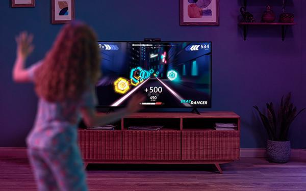 Сбербанк представил SberBox Top – ТВ-медиацентр с камерой и кучей необычных опций