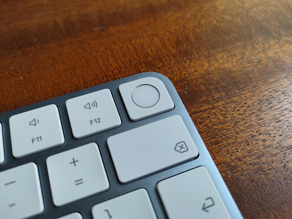 """Обзор Apple iMac 24"""" — первый моноблок на базе чипа M1"""