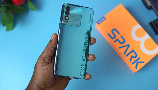 Представлен бюджетный смартфон Tecno Spark 8 с батареей на 5 000 мАч