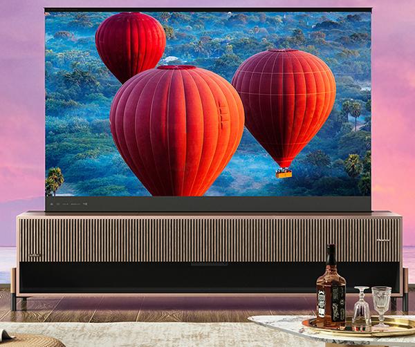 Hisense представила первый в мире лазерный телевизор, способный сворачиваться в рулон