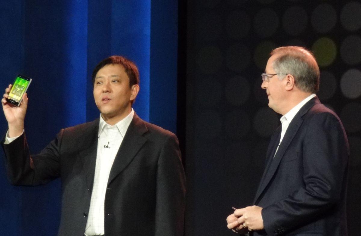 CES: Intel выходит на рынок смартфонов