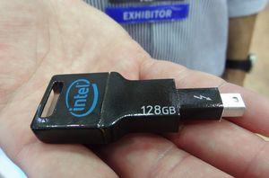 Computex: Intel представляет самую быструю в мире флэшку