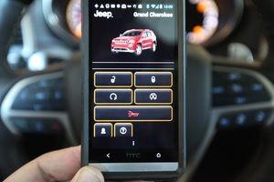 Apple и Google борются за симпатии автомобилистов