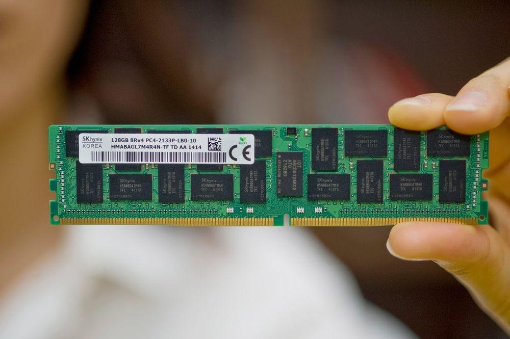 Hynix представляет первые в мире модули DDR4 емкостью 128 Гбайт