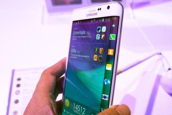 IFA: Новый смартфон Samsung — экран на боку