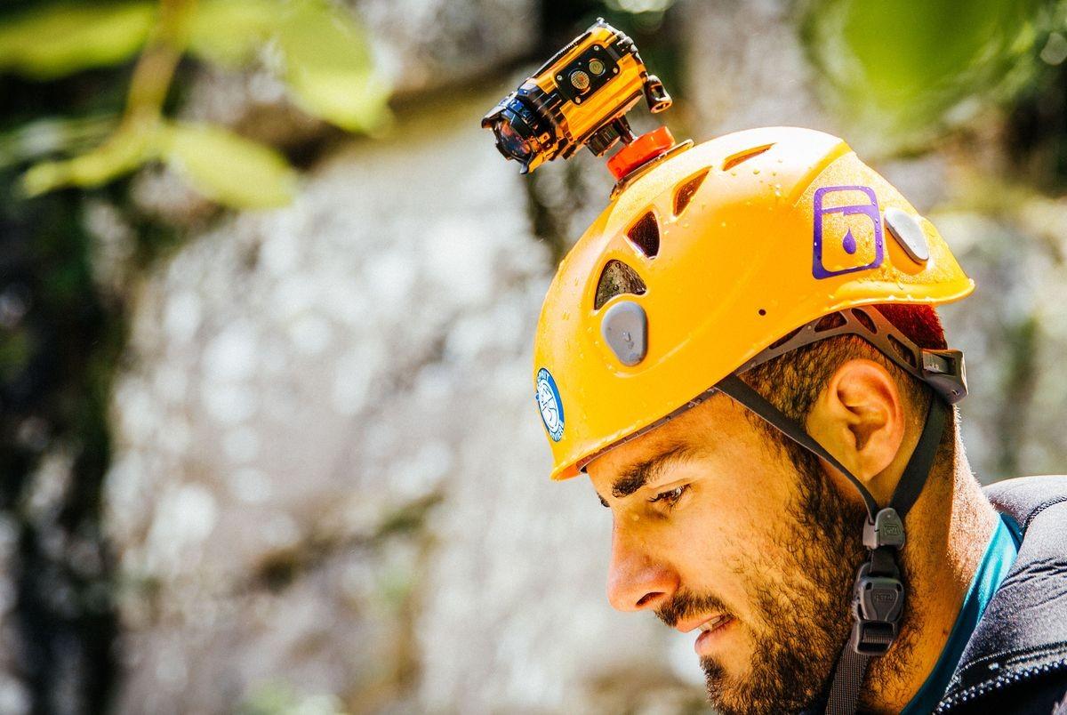 Экшн-камера Ricoh не боится воды и холода