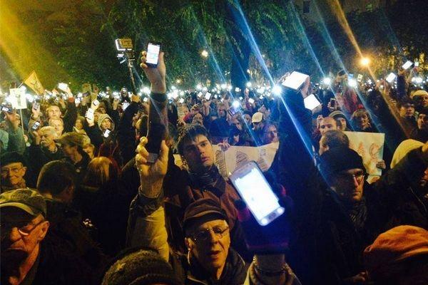 Налог на Интернет вызвал уличные протесты в Венгрии
